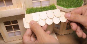 Cách làm nhà bằng que kem có thêm sân vườn rộng